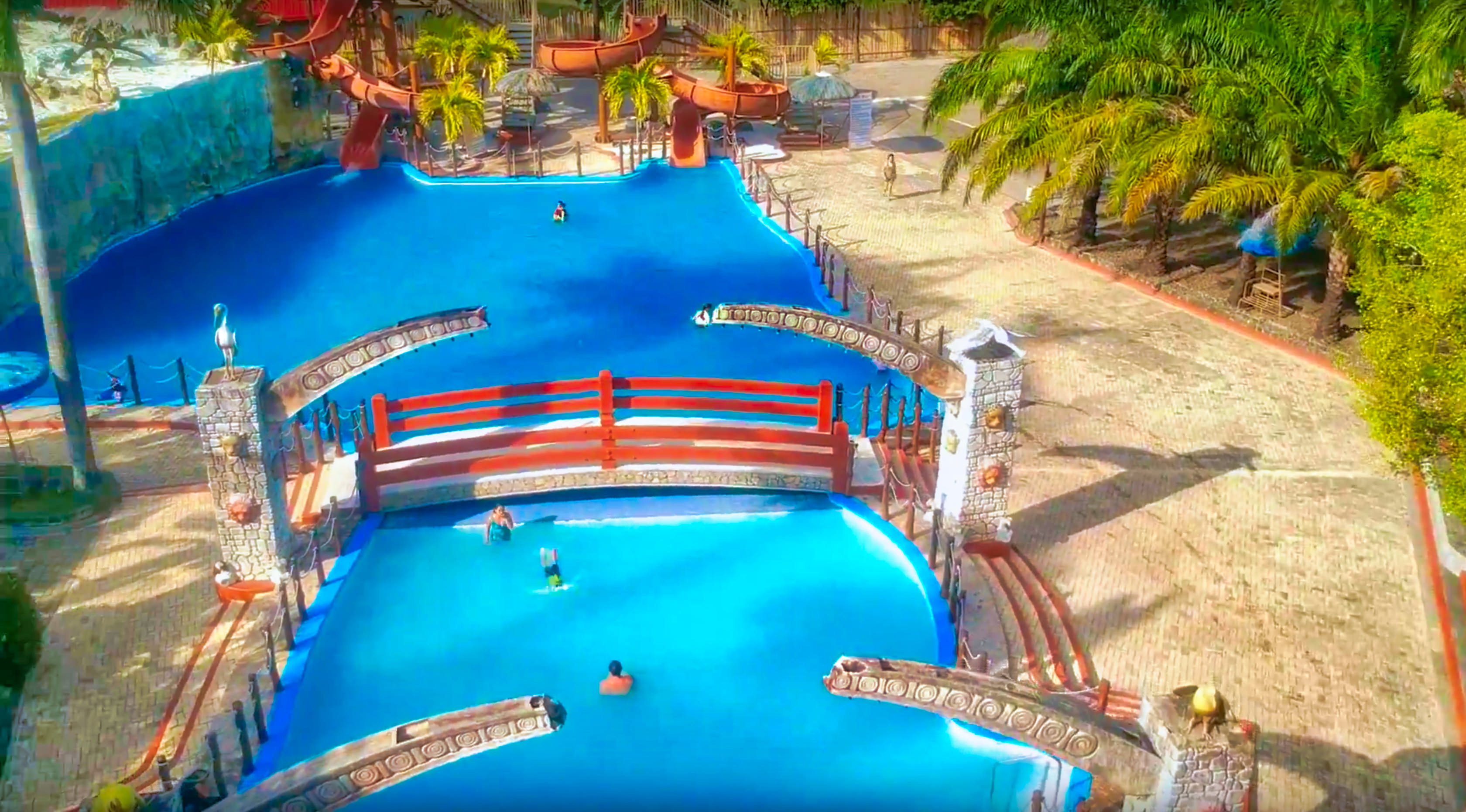 Video 8 Waves Waterpark Philippines
